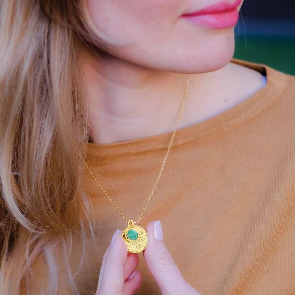 Offrir un bijou sur mesure : une idée de cadeau indémodable
